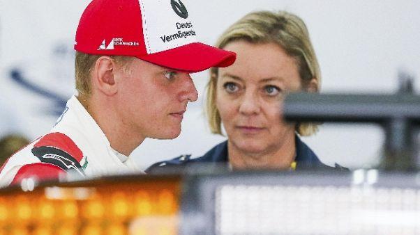 Pole e gara, Mick Schumacher imita papà