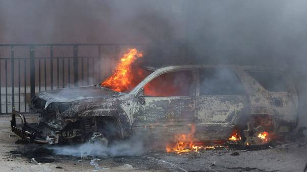 Two car bombs explode in Somali capital, one dies
