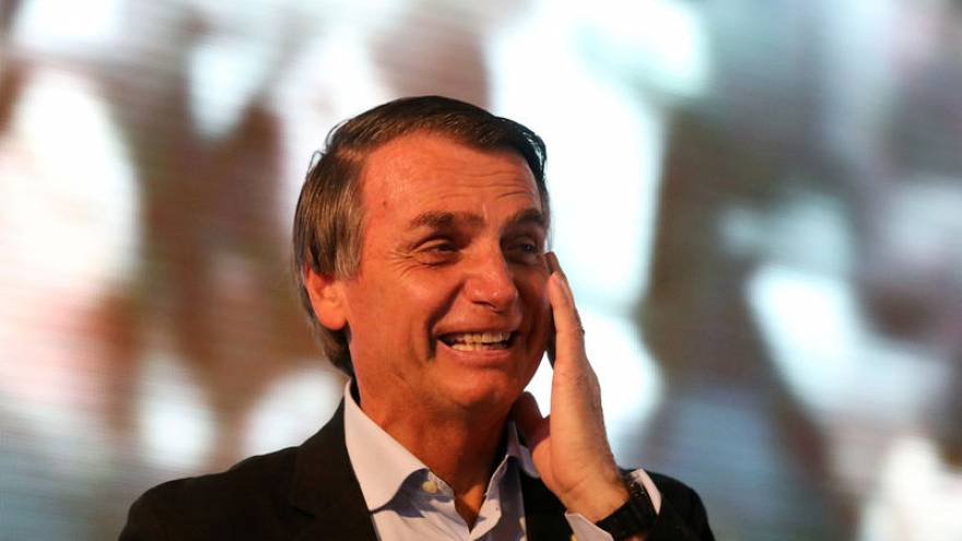 محكمة برازيلية تأمر تويتر بتسليم بيانات مستخدمين على خلفية محاولة اغتيال مرشح رئاسي