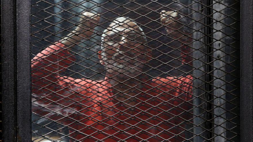 مرشد الإخوان المسلمين محمد بديع أثناء محاكمته