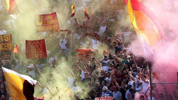 Fischi e cori, Roma contestata da tifosi