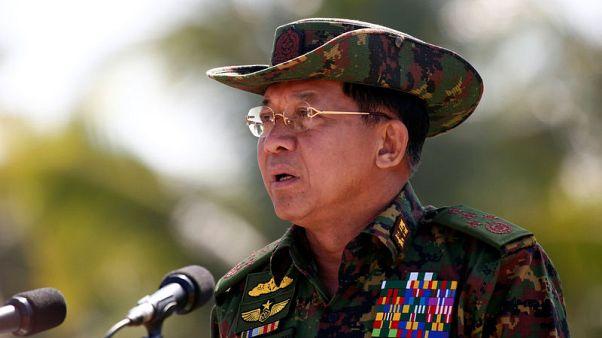 قائد جيش ميانمار يندد بالتدخل الأجنبي والأمم المتحدة تبحث أزمة الروهينجا