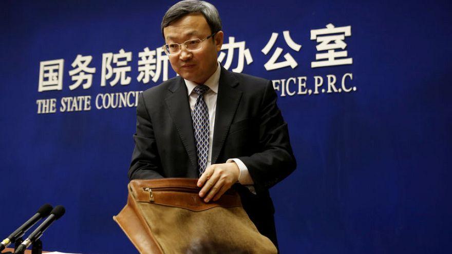 """الصين تقول من الصعب المضي في محادثات تجارة مع """"سكين أمريكية على رقبتها"""""""