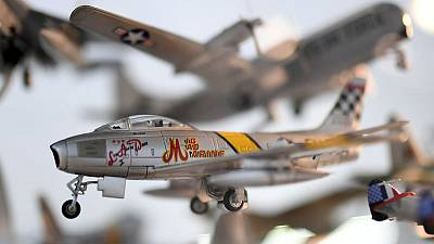 Irishman donates world's largest model aircraft collection