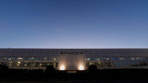 شركة فضاء يابانية تستكشف القمر على متن صواريخ سبيس إكس