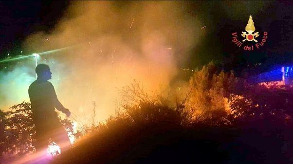 Incendi nel Crotonese, 34 interventi Vvf