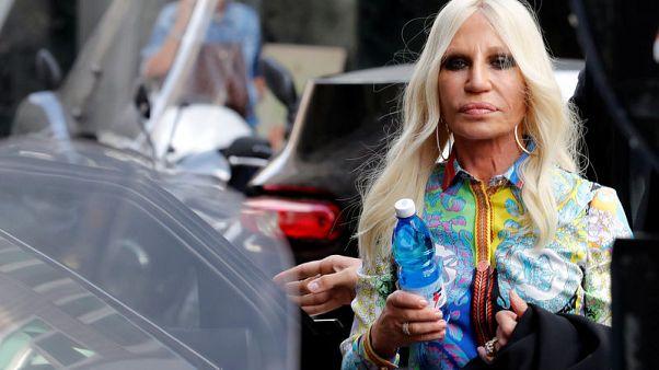 فرساتشي: الاندماج مع دار أزياء مايكل كورس سيوفر فرص عمل في إيطاليا