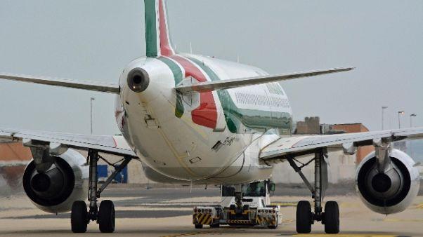 Bird strike a Trieste, aereo rientra