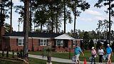 تعافي مبيعات المنازل الجديدة في أمريكا خلال أغسطس وتعديل قراءة يوليو بالخفض
