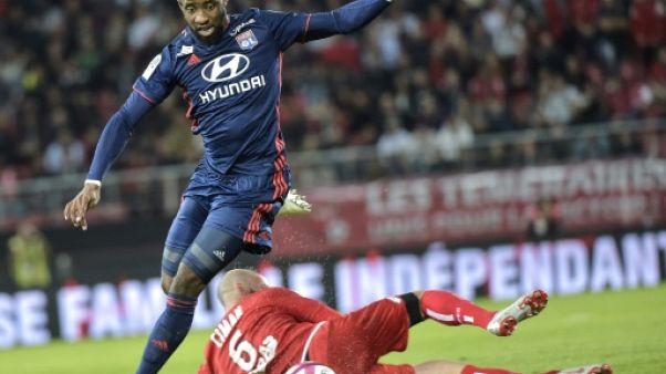 Ligue 1: solide face à Dijon, Lyon enchaîne enfin