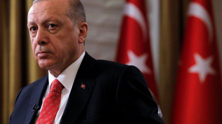 أردوغان يحث ألمانيا على إدراج حركة غولن ضمن المنظمات الإرهابية