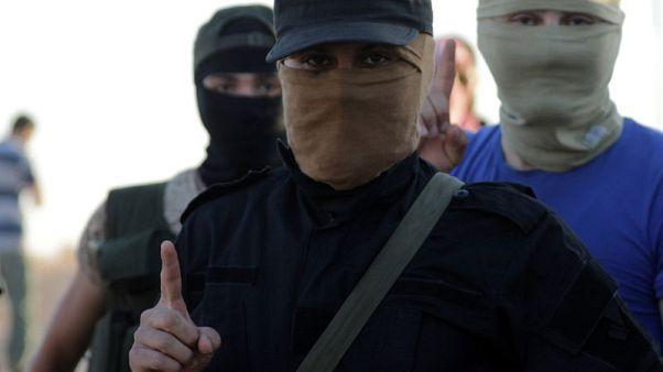 معارضون يتوقعون مغادرة المتشددين المنطقة العازلة في إدلب السورية