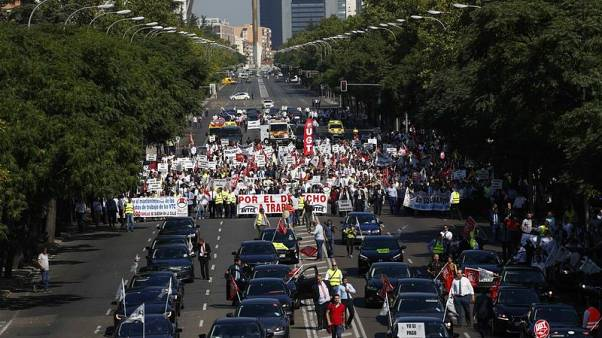 Uber, Cabify drivers strike in Madrid to protest against planned law changes