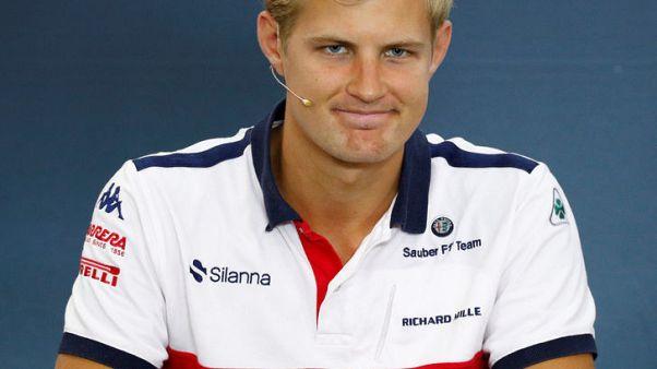 إريكسون يأمل في العودة لفورمولا 1 رغم استبعاده من ساوبر