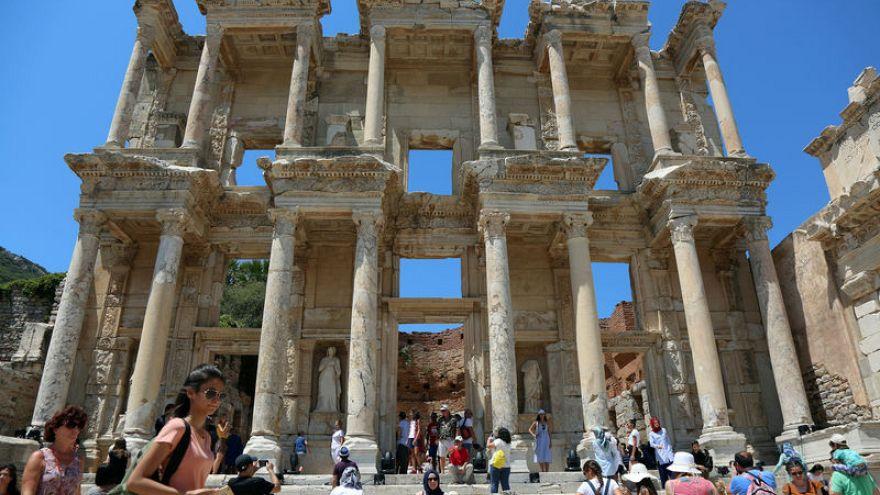 زيادة قياسية في تدفق السياح إلى تركيا.. والروس أكثرهم!