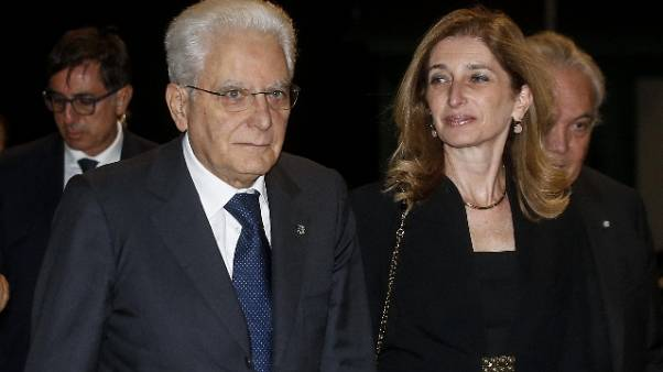 Mattarella firma dl per Genova