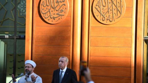 Erdogan conclut sa visite en Allemagne par l'inauguration d'une mosquée controversée