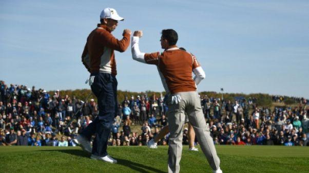 Ryder Cup: l'Europe maintient le cap, Woods en souffrance
