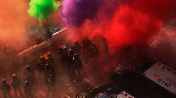 توتر في برشلونة مع خروج احتجاجات مؤيدة ومعارضة لاستقلال قطالونيا