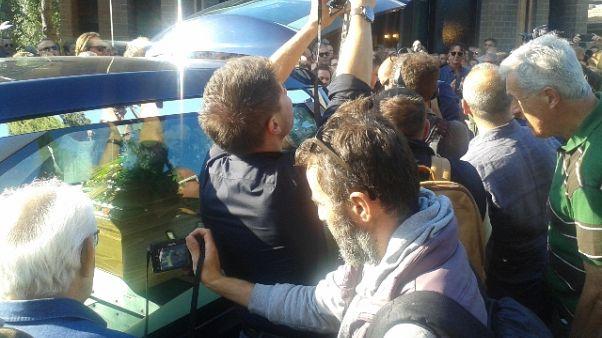 In centinaia a Rimini a funerale 'Zanza'