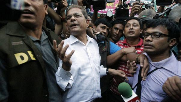 Bangladesh's opposition group says 'strongly' wants to contest elections