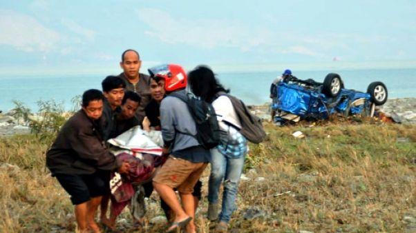 Indonésie : les habitants de Palu, frappée par le séisme, tentent de survivre