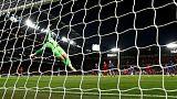 هدف ستوريدج المذهل يمنح ليفربول التعادل مع تشيلسي