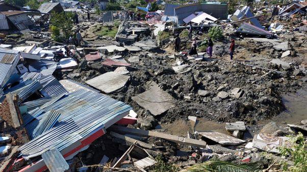 عدد قتلى زلزال إندونيسيا يقفز إلى 832 قتيلا