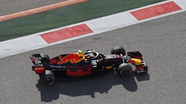 Gp Russia, metà gara, Verstappen avanti