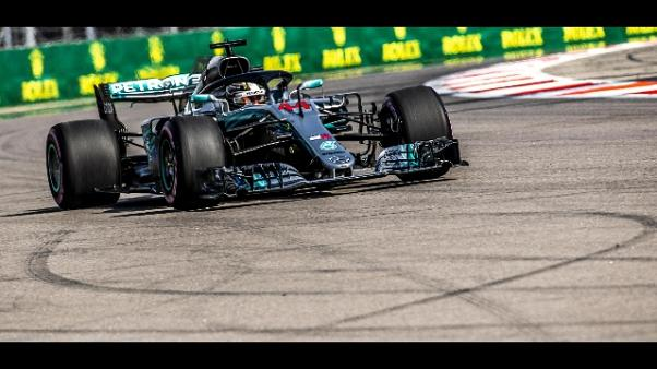 F1, doppietta Hamilton-Bottas in Russia
