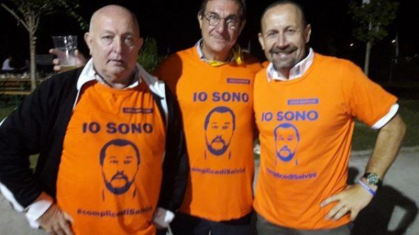 Cori contro Salvini e danni a Festa Lega