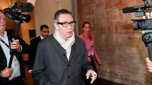 محكمة سويدية تدين شخصا كان محور فضيحة تتعلق بجائزة نوبل للآداب بالاغتصاب