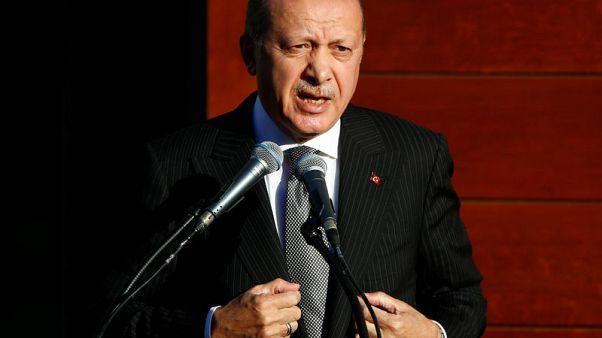 أردوغان يقول إنه يهدف إلى تأمين شرقي الفرات في شمال سوريا