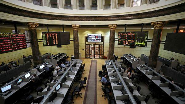 هبوط بورصة مصر وسط مخاوف بشأن العملة وارتفاع السعودية والإمارات