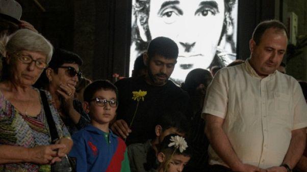 """L'Arménie pleure Aznavour, le """"fils du peuple"""""""