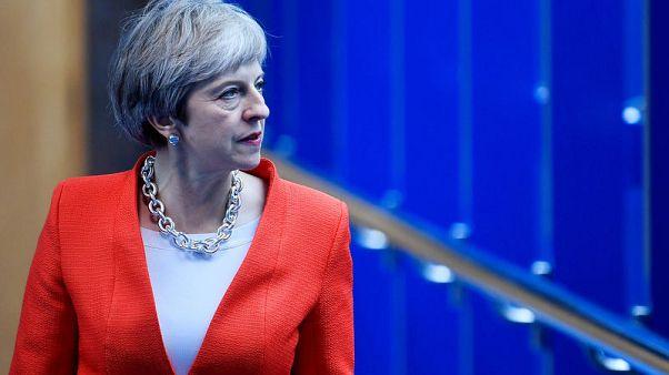 """رئيسة وزراء بريطانيا: سأبقى في منصبي """"لفترة طويلة"""""""