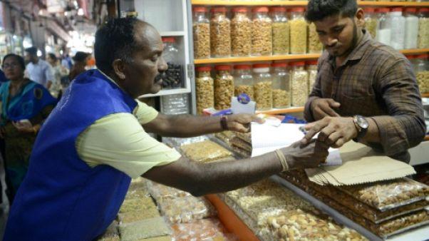 """En patrouille avec les escouades """"antiplastique"""" de Bombay"""