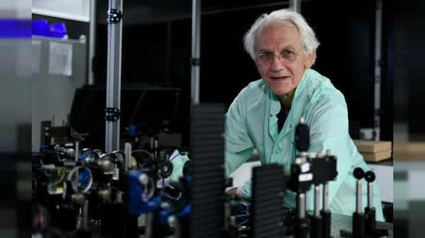 Le prix Nobel de physique à trois pionniers des lasers