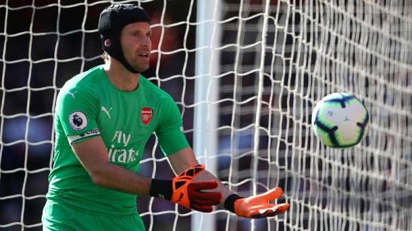 Cech faces four weeks out with hamstring injury
