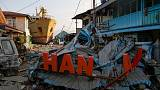 Indonesian quake survivors scavenging in 'zombie town'; president ramps up aid