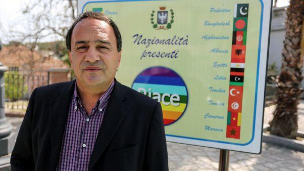 Italian pro-refugee mayor under house arrest on illegal migration charges