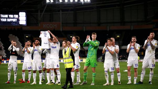 Leeds go back to top of English Championship