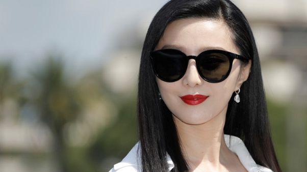الصين تفرض غرامة ضخمة على الممثلة فان بينغ بينغ بسبب التهرب الضريبي