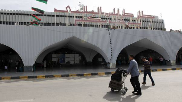 Fighting forces Libya to close Tripoli airport again