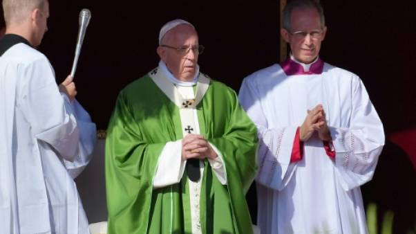 Le pape appelle à transformer une Eglise qui éloigne les jeunes