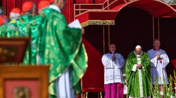 Sinodo,Papa si commuove per vescovi Cina
