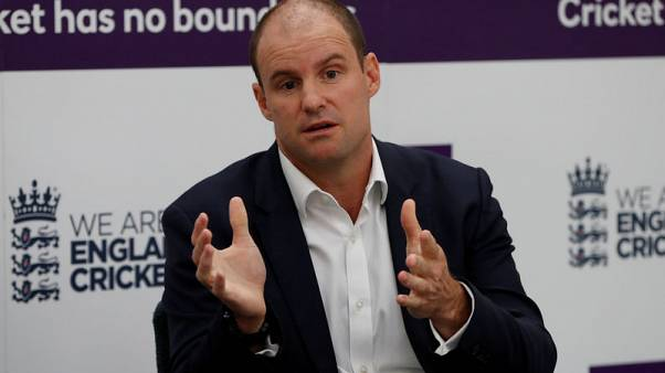 Strauss steps down as ECB director of cricket