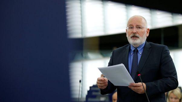 EU executive warns Romania against weakening anti-graft reforms
