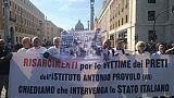 Pedofilia: a Roma sit-in vittime Italia