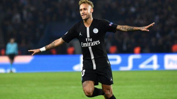 Ligue des champions: le PSG écrase l'Etoile Rouge 6-1, triplé de Neymar